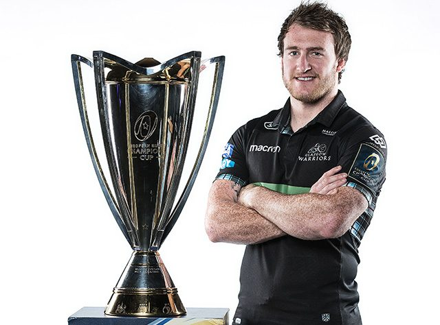 Stuart Hogg with the trophy